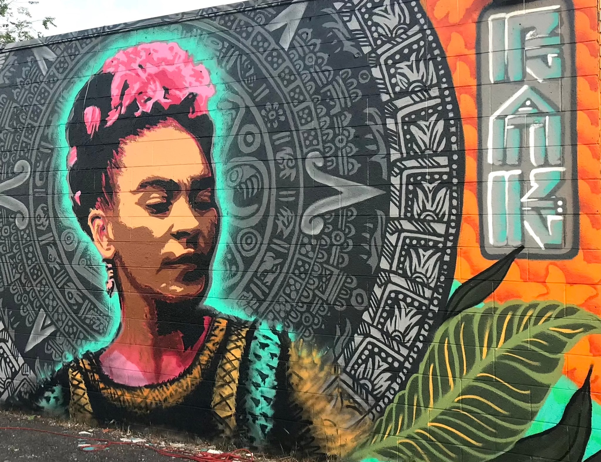 Roots Art Kollective, Frida Mural (2020), Panaderia Mexico, Salt Lake City. Photo Miguel Galaz