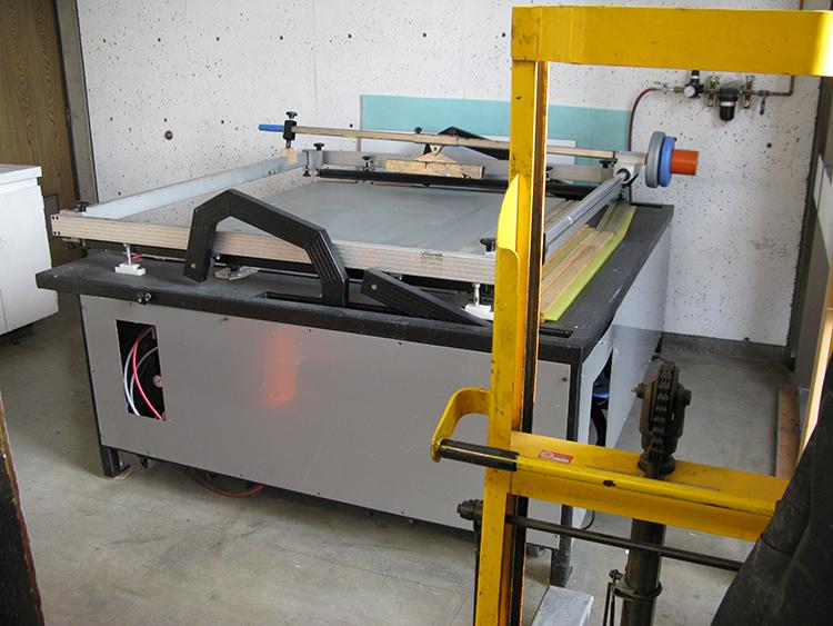 Pneumatic Horizontal lift screen press