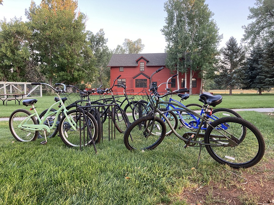 Ucross bikes and Depot building